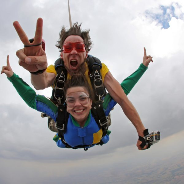 Skydiving experience as a team building exercise